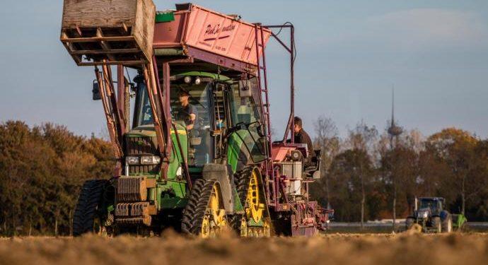 Ontheffing nodig voor landbouwvoertuigen hoger dan 4 meter