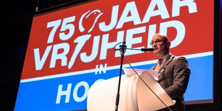 Burgemeester Jan Nieuwenburg spreekt zijn nieuwjaarswens uit