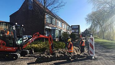 Aanleg van glasvezelnetwerk in Schagen gestart: KPN NetwerkNL legt eerste meters kabel in de grond – Nieuws