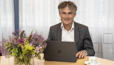 Wethouder Van der Veek start Seniorenbus – Nieuws