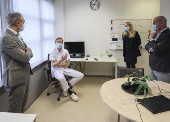 Burgemeester bezoekt Covid-afdelingen Dijklander; 'Wat deze medewerkers doen is topsport'