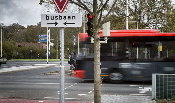 Busverbindingen onderzocht tussen Amsterdam-Zaanstad en Amsterdam-Purmerend