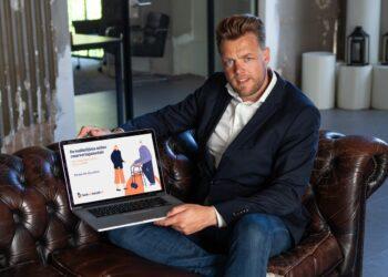 Groeier uit Blokker helpt zorginstellingen met platform Boekeenbezoek
